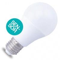 Lampadina LED E27 con sensore crepuscolare 10W 806lm 3000K 160º